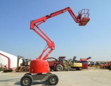 Haulotte articulated boom lift HA16