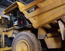 Caterpillar haul truck 777-D 6